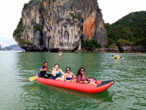 Private Jamsbond Island and Phang Nga Tour